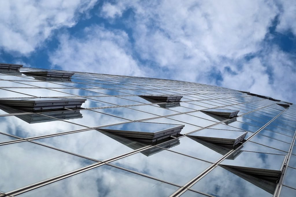 comment gtb améliore gestion consommation bâtiments
