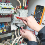 Réglementation électrique: qu'est-ce que la norme NFC15-100 et comment la respecter?