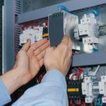 Comment mettre aux normes son système électrique?