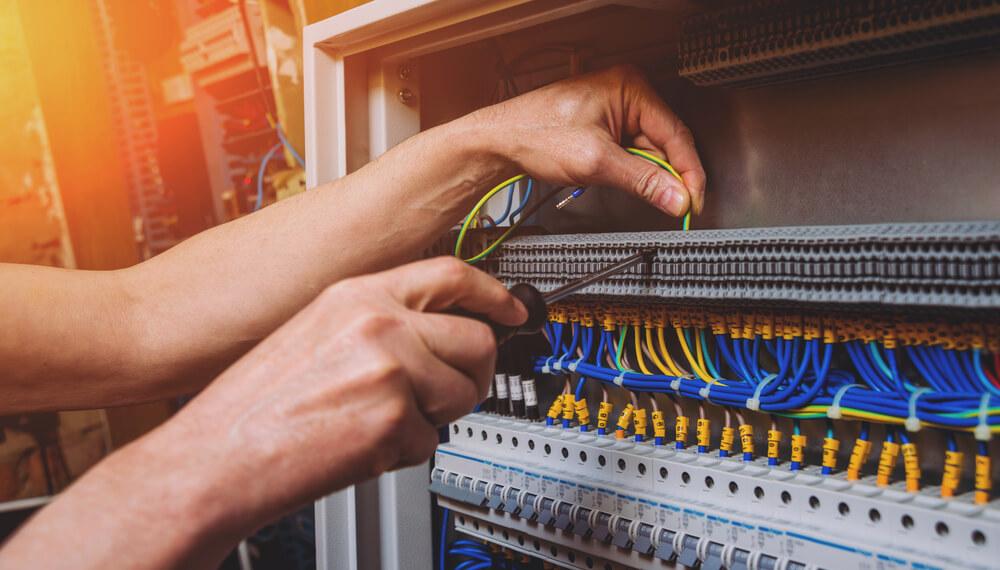 gérer et réparer les chutes de tensions électriques