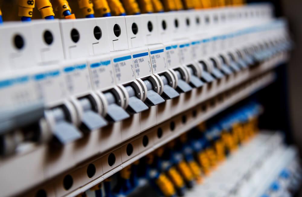armoire electrique composants