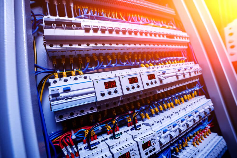composants d'une armoire electrique