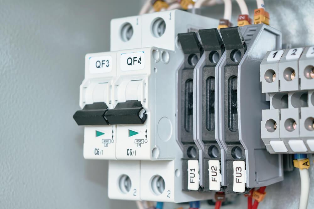 disjoncteur et interrupteur différentiels